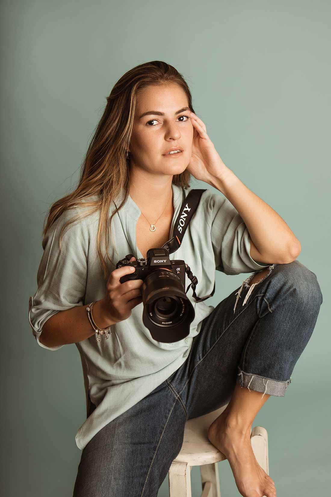 Fotografía de retrato con luz natural por Rafaella Bertorini