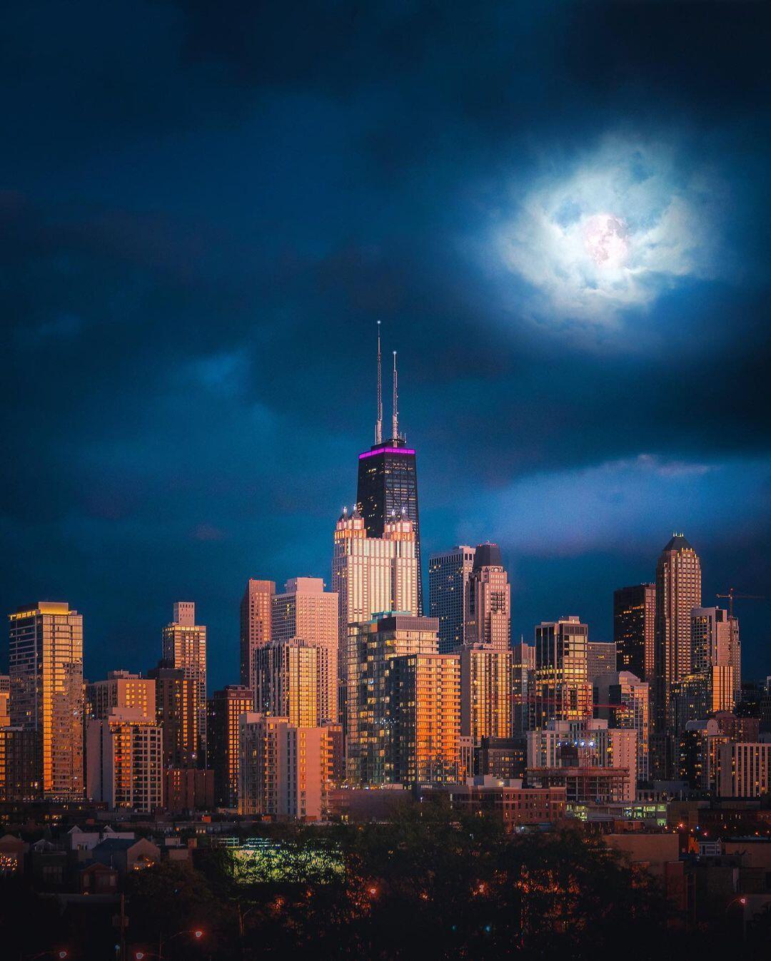 Cómo estos fotógrafos capturan paisajes urbanos nocturnos brillantes y coloridos